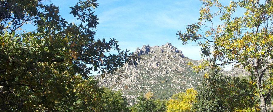 Vista de la Sierra de la Cabrera desde el Huerto del Convento de San Antonio. Foto: Rural Inside